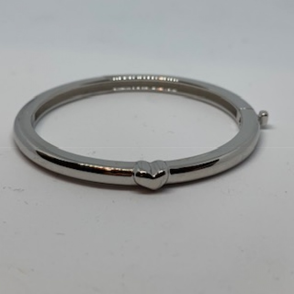 Heart detail baby bangle