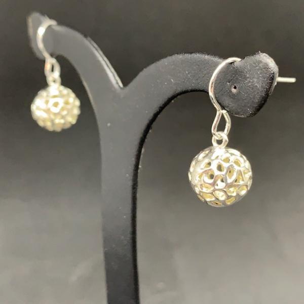 Lattice Globe hook earring