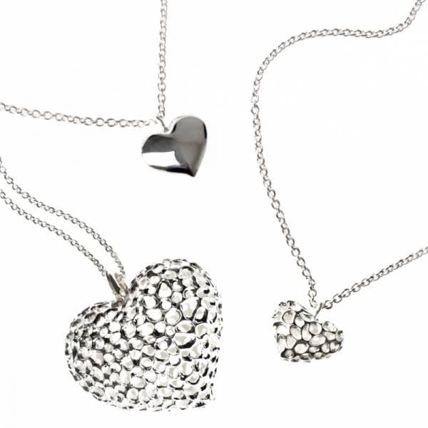 Engravable Amore Heart Lattice Locket